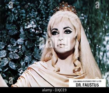 DOCTOR FAUSTUS (BR1967) Elizabeth Taylor as Helen of Troy - Stock Photo