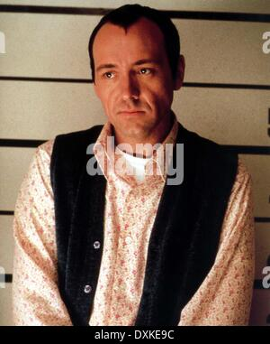 THE USUAL SUSPECTS (US1995) L-R, KEVIN SPACEY THE USUAL SUSP - Stock Photo