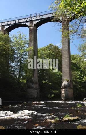 Pontcysyllte Aqueduct which carries the Llangollen Canal over the river Dee in north Wales - Stock Photo