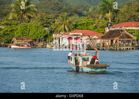 Guatemala, Department of Izabal, Livingston. Port town located at the mouth of the Rio Dulce at the Gulf of Honduras. - Stock Photo