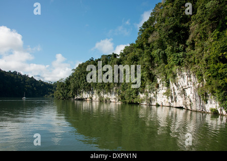 Guatemala, Department of Izabal, near the town of Livingston, Rio Dulce (Sweet Water) River. Gorge view of the Rio - Stock Photo