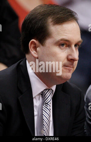 Philadelphia, Pennsylvania, USA. 29th Mar, 2014. Philadelphia 76ers general manager Sam Hinkie looks on during warm - Stock Photo
