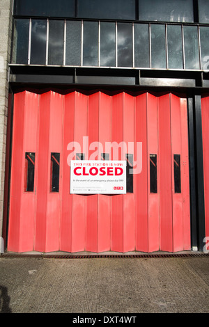 Fire station closed due to budget cuts - Stock Photo