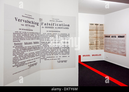 WW1 placard warning civilians in Dutch and French for tampered and contaminated food during World War One German - Stock Photo