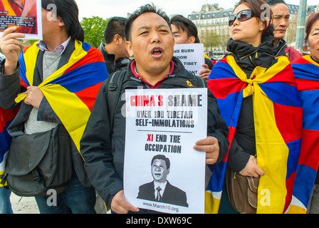 Crowd, The Tibetan, Taiwanese Ethnic Communities of France, and Friends called for French citizens to mobilize during - Stock Photo