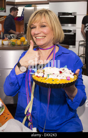 Mary Roos recording a carnival episode of German cooking show 'Lafer Lichter Lecker' at Fernsehmacher studios. Where: - Stock Photo