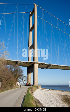 Humber Bridge single span suspension bridge connecting East Yorkshire with North Lincolnshire, near Hull East Yorkshire - Stock Photo