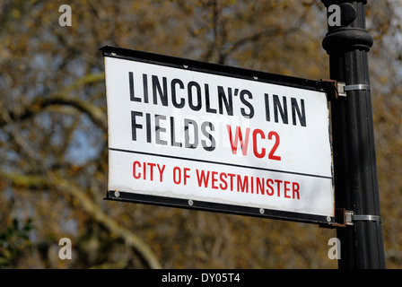 London, England, UK. Street sign: Lincoln's Inn Fields - the largest public square in London - Stock Photo