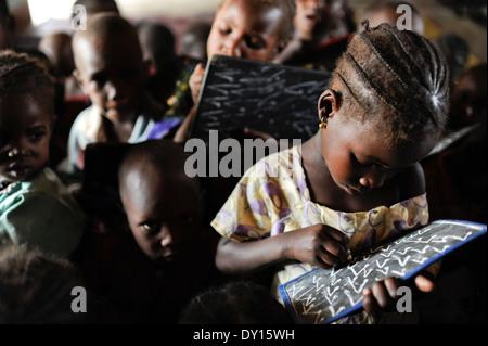 NIGER Zinder, children in nursery school - Stock Photo