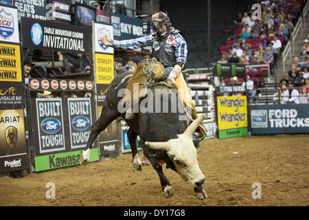 Fresno, CS, USA. 29th Mar, 2014. March 29, 2014 Fresno, CA - Professional Bull Rider Cody Nance in his winning ride - Stock Photo
