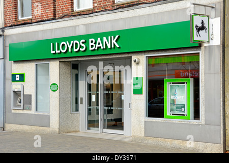 New Lloyds bank shopfront styling after split up of Lloyds TSB - Stock Photo