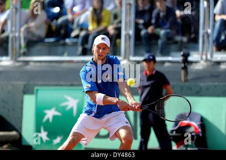Naples, Italy. 6th Apr, 2014. Andreas Seppi of Italy during the fifth and decisive rubber against James Ward of - Stock Photo
