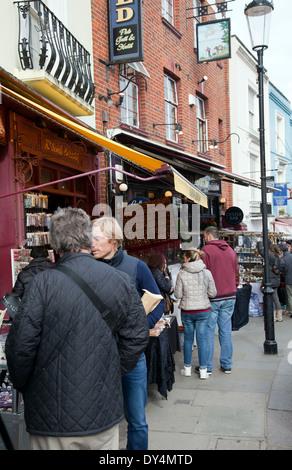 Portobello Rd Market in Nottinghill Gate - London W11 - UK - Stock Photo
