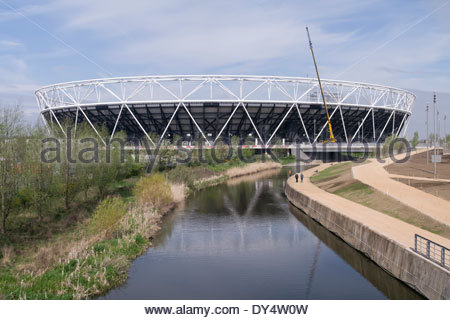 The Olympic Stadium undergoing conversion in the Queen Elizabeth Olympic Park: Stratford, London. - Stock Photo