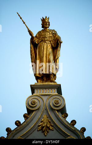 BRUGES, Belgium - Gold statue of a king on top of the Oude Griffie building (Old Office, or Old Recorders House) - Stock Photo