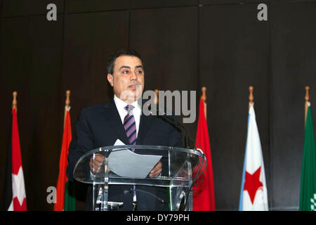 Tunis. 8th Apr, 2014. Tunisia's Prime Minister Mehdi Jomaa speaks during the opening ceremony of the forum of Arab - Stock Photo