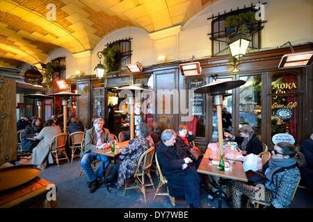 Le cafe de france street cafe at old town of sainte - Cafe de france sainte maxime ...