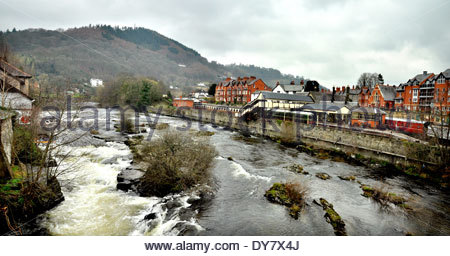 The River Dee and and Llangollen railway station in Llangollen, Denbighshire, Wales, UK - Stock Photo