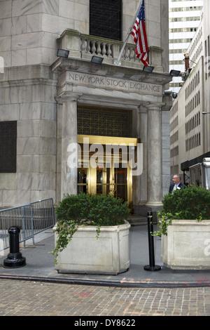 Corner entrance to New York Stock Exchange - Stock Photo