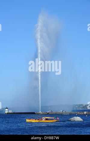 Switzerland, Geneva, water, Lake Genevan, Leman, lake, jet, fountain, Jet d'Eau, boat - Stock Photo