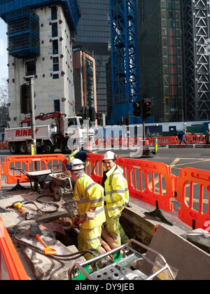 Road works on the corner of Bishopsgate and Threadneedle Street in Central London UK  KATHY DEWITT - Stock Photo