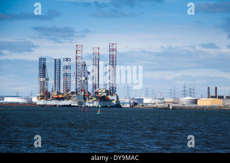 Jack Up drilling rigs Ensco 70 and 80 TERRC Hartlepool  facility on the river Tees for inspection and repair - Stock Photo