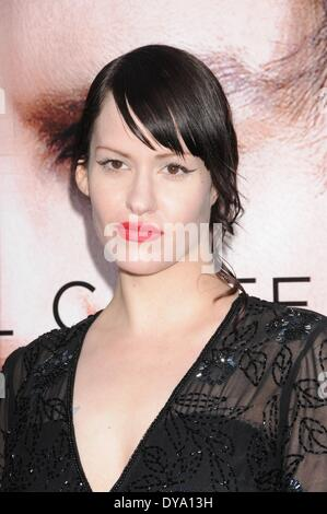 Hollywood, CA, USA. 10th Apr, 2014. Apr 10, 2014 - Hollywood, CA, United States - LINDSAY USICH at the Transcendence - Stock Photo