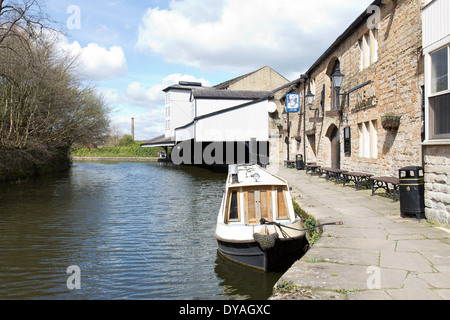 Leeds Liverpool Canal and the Weaver's Triangle at Burnley, Lancashire - Stock Photo