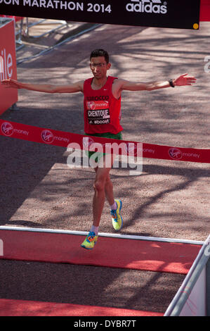 London, UK, 13th Apr, 2014. Virgin Money London Marathon 2014. Moroccan para-athlete El Amin Chentouf finishes in - Stock Photo