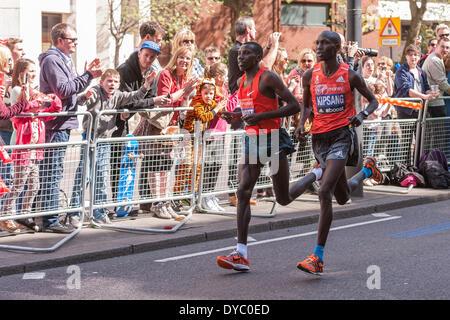 Lower Thames Street, London, UK, 13 April 2014, near mile 23, Virgin Money London Marathon 2014.  Wilson Kipsang - Stock Photo