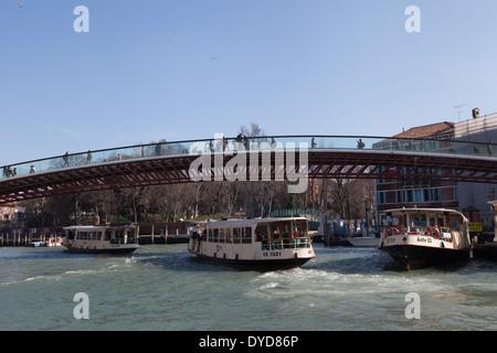 Ponte della Costituzione (Constitution Bridge), which links Piazzale Roma with the non-motorised rest of Venice, - Stock Photo