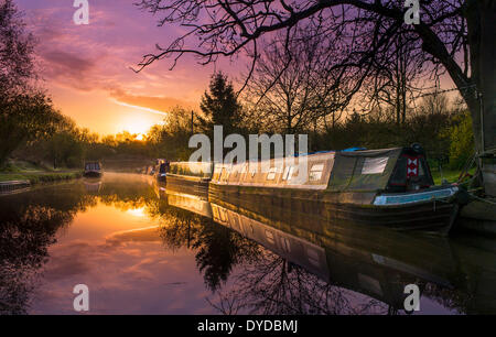 Dawn on the Grand Union Canal at Foxton. - Stock Photo