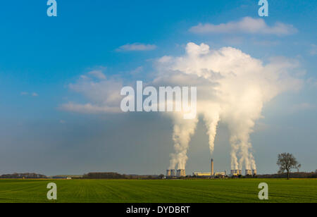 Drax Power Station is the largest and most efficient coal fired power station in the UK. - Stock Photo