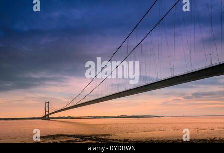 The Humber supsension bridge seen from the north shore. - Stock Photo