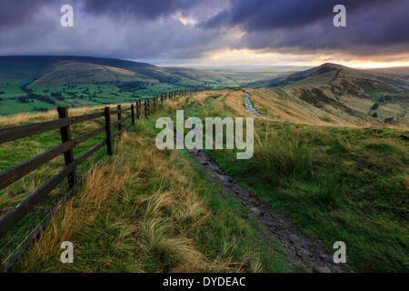 Sunrise at Mam Tor in the Peak District. - Stock Photo