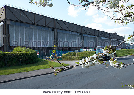 Imperial Tobacco, Nottingham Horizon Factory - cigarette manufacturing. Spring blossom - Stock Photo