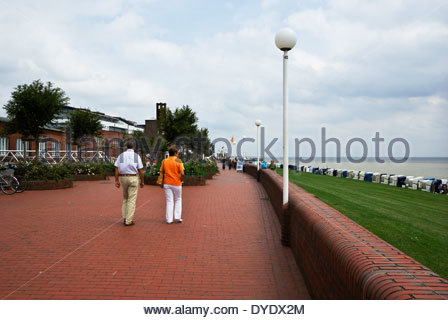 Promenade on Südstrand south beach in Wilhelmshaven, Jade Bight, Lower Saxony, Germany - Stock Photo
