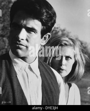 Faye Dunaway and Warren Beatty, on-set of the Film, 'Bonnie and Clyde', 1967 - Stock Photo