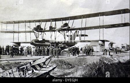 World War 1 - Front view of a British triplane flying-boat, showing its wingspan of 123 feet. - Stock Photo