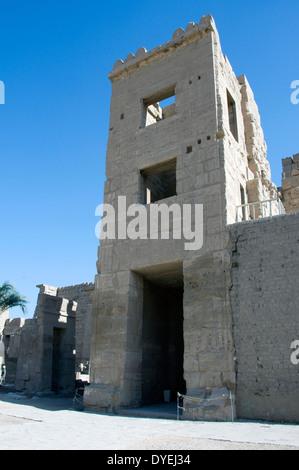 Temple of Ramses III (1198-1167 b.C. – XX° Dyn.) at Medinet Habu: the Migdol. - Stock Photo