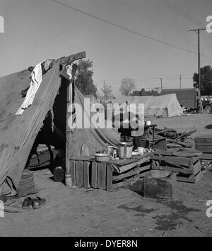 Imperial Valley, California. Migratory labour housing during carrot harvest. 19390101 - Stock Photo