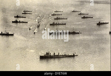 Italian naval exercises in formation 1930 - Stock Photo
