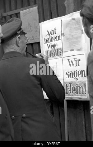 Workers of the East German State Railway during the ballot vote about the continuation of the strike at a ballot - Stock Photo