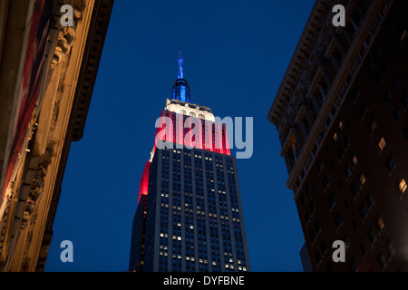 The Empire State Building lit in red white and blue on Presidents Day, New York - Stock Photo