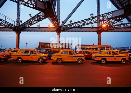 India, West Bengal, Kolkata, Calcutta, Howrah bridge - Stock Photo
