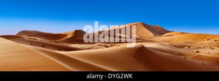 Sahara sand dunes of erg Chebbi, Morocco, Africa - Stock Photo