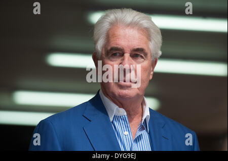 London, UK. 17th April 2014. Publicist Max Clifford leaves Southwark Crown Court on the day when a verdict is possible - Stock Photo