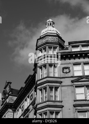 Architecture: built architectural features of a building in Newcastle upon Tyne, England, UK - Stock Photo