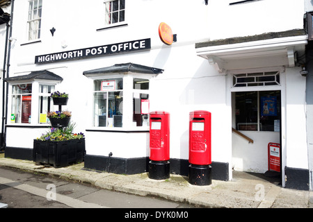 A traditional English post office in the village of Highworth, Wiltshire. - Stock Photo