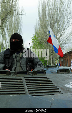 Sloviansk, Ukraine. 21st Apr, 2014. In photo: a man on tank. Sloviansk. PH Cosimo Attanasio Photo by Cosimo Attanasio - Stock Photo